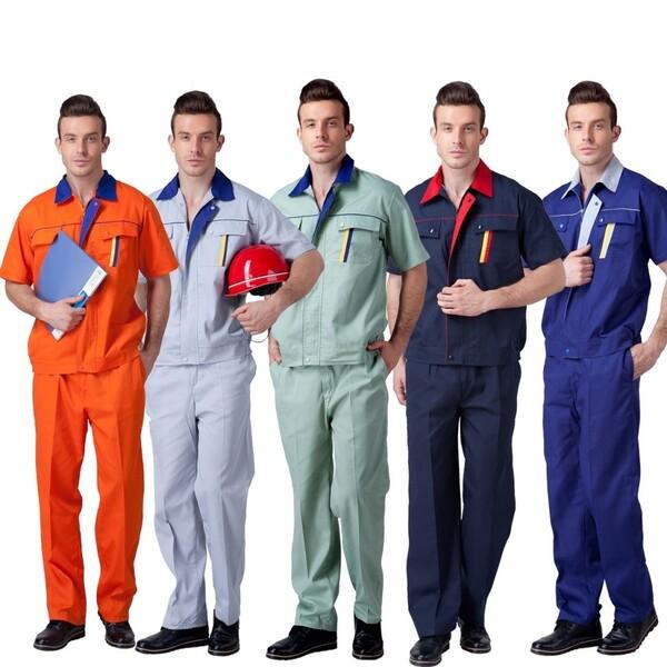 Nên xem xét kỹ giá cả cho từng loại đồng phục
